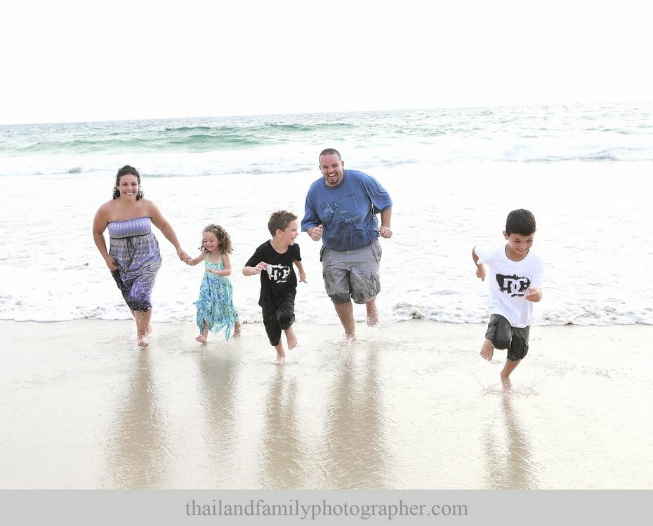 best-Krabi-family-reunion-and-family-portrait-photographer